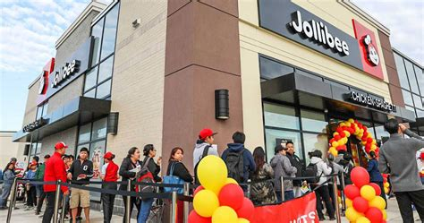There was a massive line up outside Toronto's newest Jollibee