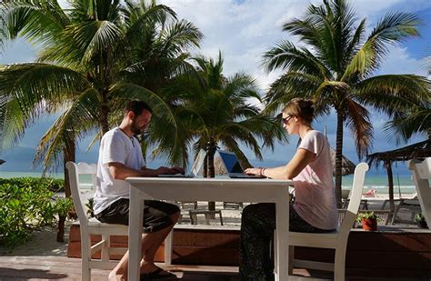 How to Be a Digital Nomad: Pro Nomads Tell All