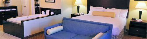 Book the Jacuzzi Suite at Our Historic San Diego Hotel